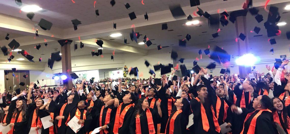 Culminan estudios 7 mil 800 estudiantes en 28 planteles del COBACH