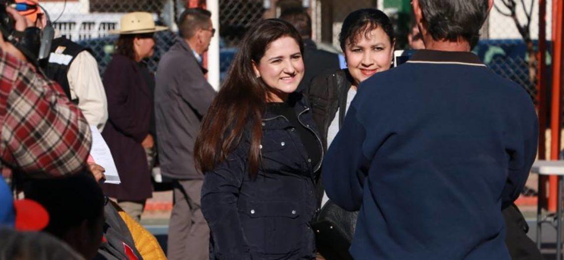 Dialoga Alcaldesa Celida López con vecinos de la colonia Apolo