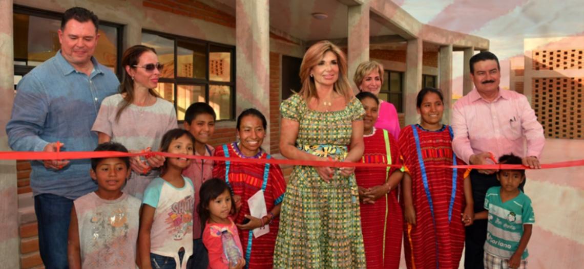 Cumple Claudia Pavlovich con albergue para niños migrantes en la Costa de Hermosillo