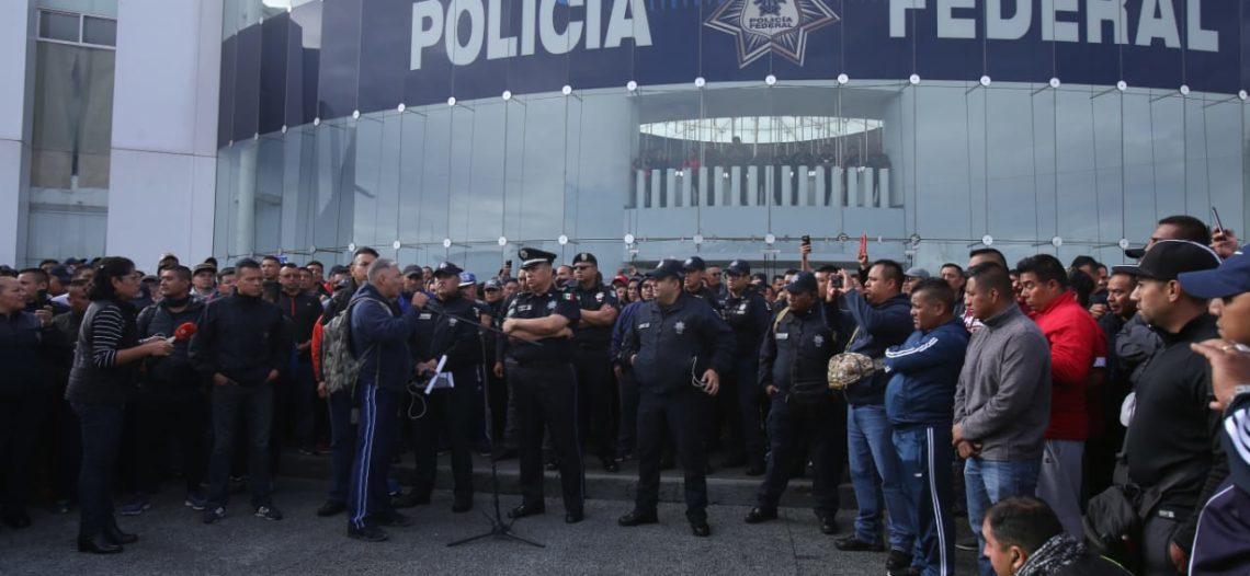 Policías federales 'rompen' mesa de diálogo; van a paro indefinido