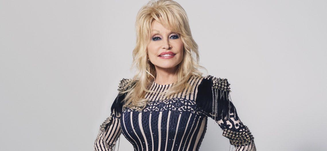Dolly Parton dona un millón de dólares para investigación de Covid-19