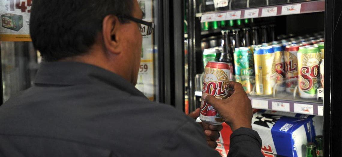 Se prohíbe venta de bebidas alcohólicas en expendios, durante la contingencia