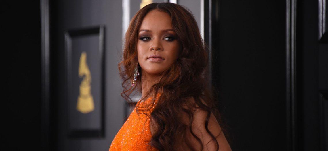 Rihanna dona 2 mdd para víctimas de violencia doméstica