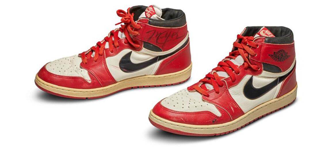 Tenis de Michael Jordan rompen récord en subasta
