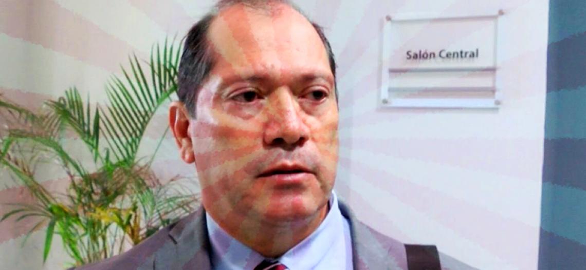 Dirigente de industria maquiladora explota contra Secretario de Salud