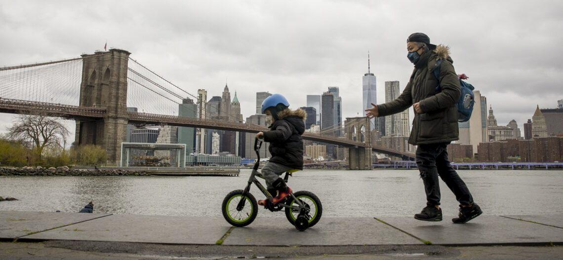 Nueva York celebra 'día perfecto'; bajaron casos de Covid-19