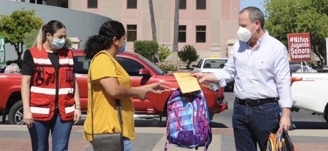 Entregan paquetes escolares y apoyos, parte de Pacto Para Que Siga Sonora