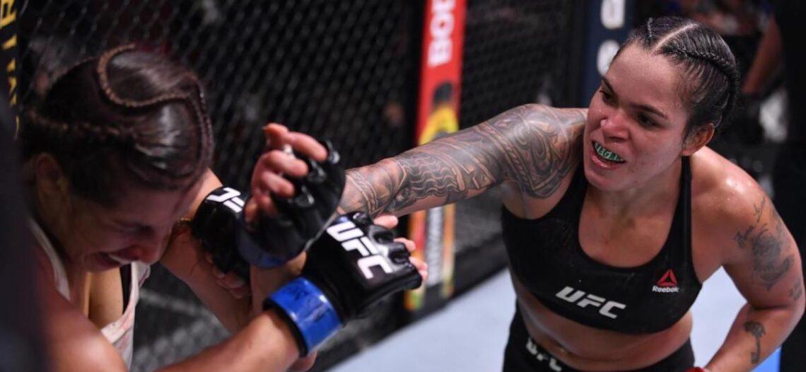 Amanda Nunes luce dominante y retiene título de la UFC
