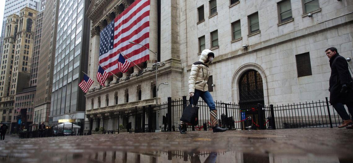 Nueva York, cerca de un segundo cierre; advertencia del gobernador