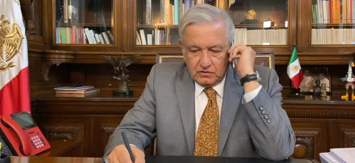 Pide López Obrador calma y tomar precauciones ante sismos