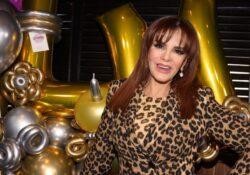 Lucía Méndez cachetea a cantante por darle un beso