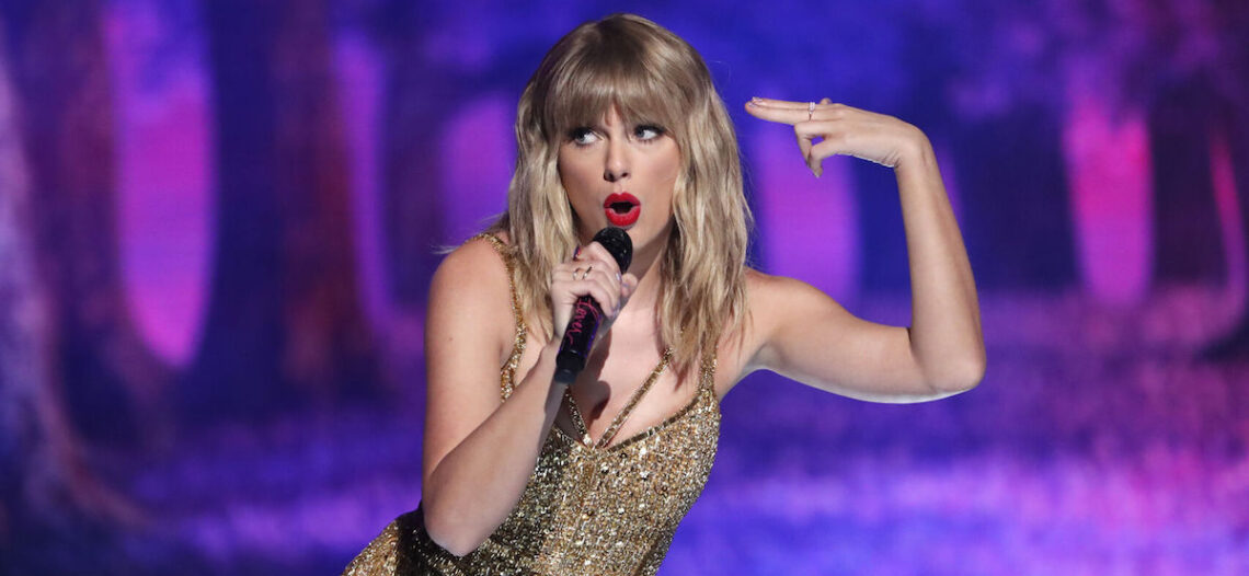 Taylor Swift iguala el récord de Whitney Houston en la lista Billboard