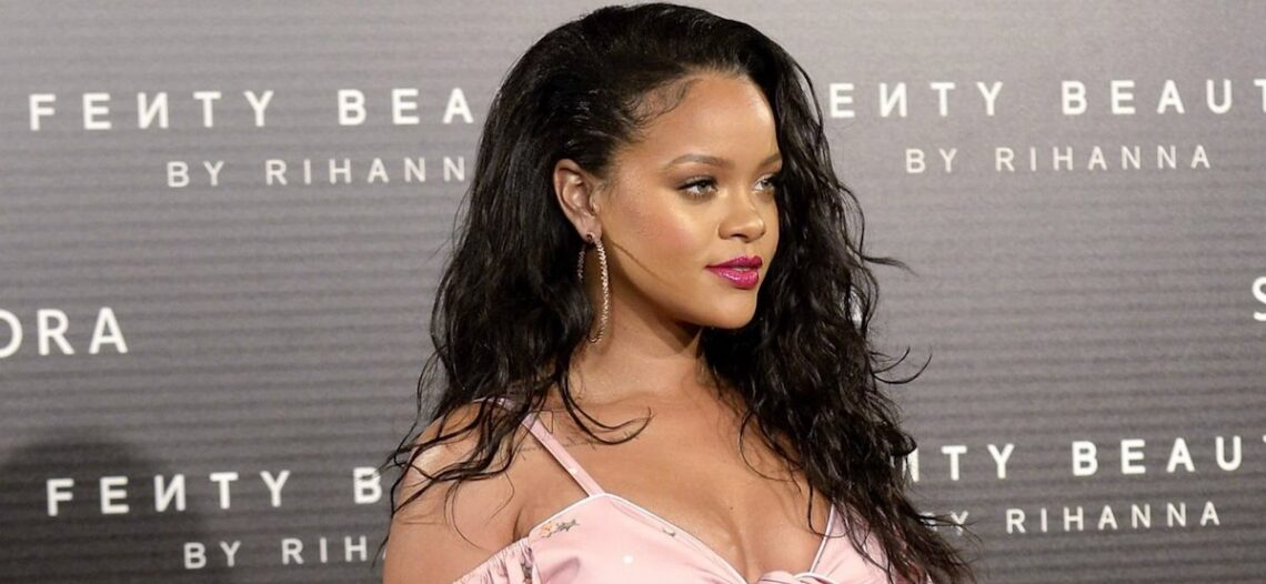 Rihanna aboga por leyes más estrictas contra el bullying en Internet