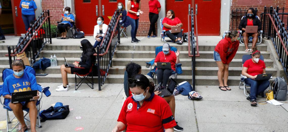 Nueva York vuelve a aplazar retorno presencial a escuelas