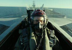 Tom Cruise recibe certificado de aviación naval honorífico por 'Top Gun'