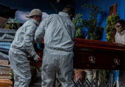 México supera las 141 mil muertes por covid-19