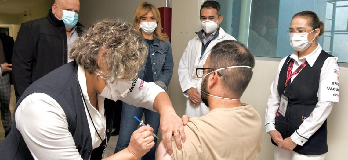 Recibe personal de Isssteson segunda dosis de vacuna contra COVID-19