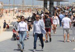 ¡Todos sin cubrebocas! Así lucen las playas en Israel