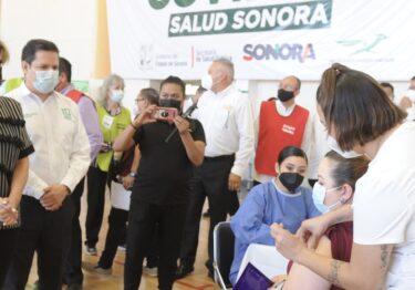 Supervisa Gobernadora inicio ordenado de vacunación a personal del Sistema Educativo