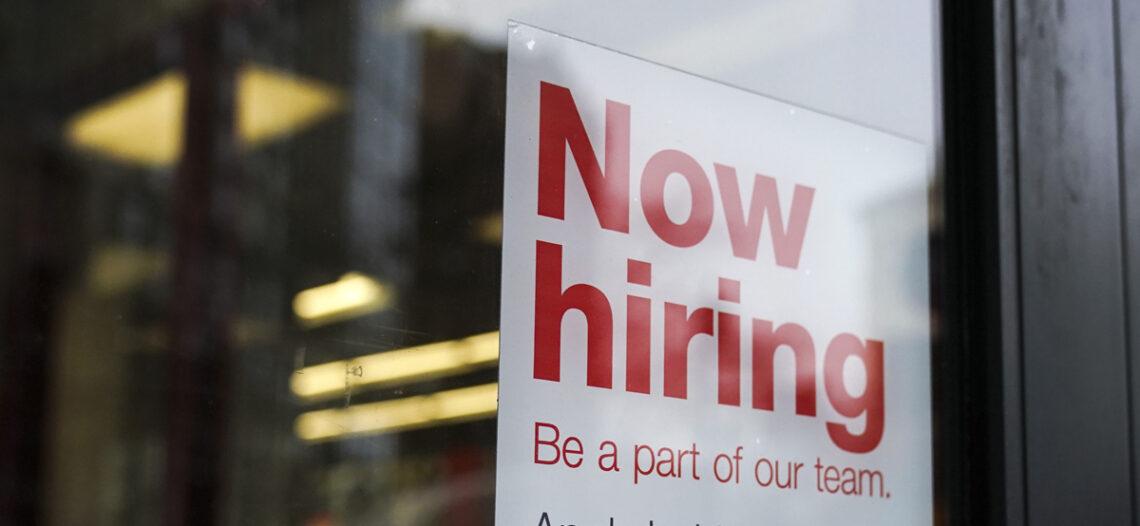 EU registra cifra récord de vacantes laborales en abril