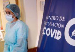 Uruguay logra vacunar contra covid al 70% de su población, al menos una dosis