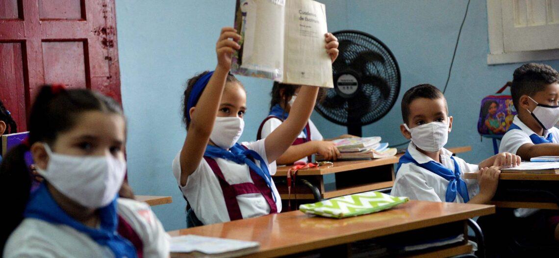 Hay riesgo de perder a una generación: SEP; regreso a las escuelas lo evitará, indica