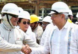 Dos Bocas se inaugurará en 9 meses con esfuerzo de 30 mil trabajadores: AMLO
