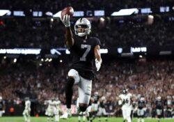 Raiders debutan con victoria en tiempo extra