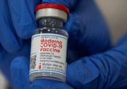 Vacuna de Moderna contra covid-19 es altamente efectiva contra todas las variantes: estudios