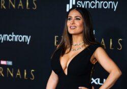 Salma Hayek impacta con su belleza en premier de Eternals