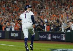 Astros pegan primero y vencen a Red Sox por remontada