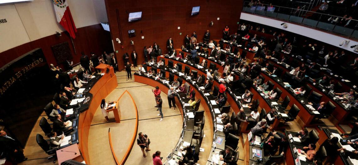 El Senado obligará al INE a que acepte firmas en papel; revocación de mandato